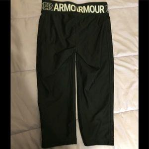 Under Armour Bottoms - Under armour girls Capri leggings